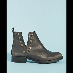 New Anthropologie Musse & Cloud Studded Booties 6